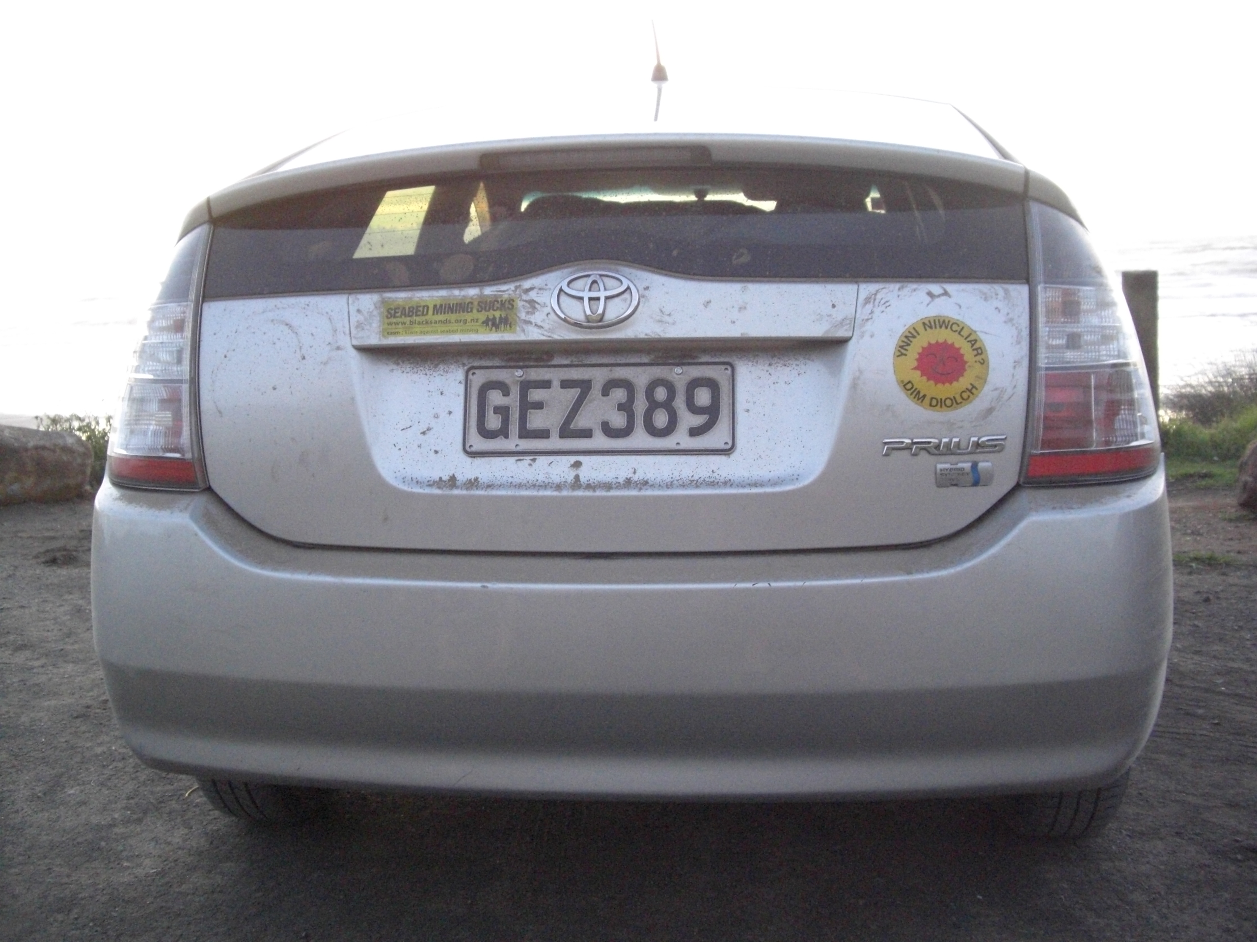 PiwiWiwi's First Prius, rear